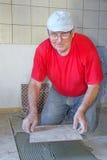 Hogere mens met keramiek Royalty-vrije Stock Foto's