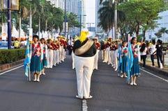 Hogere middelbare school het marcheren band in actie Royalty-vrije Stock Foto's