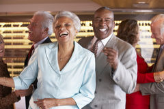 Hogere Paren die bij een Nachtclub dansen royalty-vrije stock foto