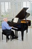 Hogere pianist royalty-vrije stock fotografie