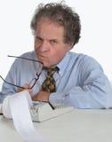 Hogere rijpe mens die aan Financieel Rapport werkt Royalty-vrije Stock Afbeeldingen