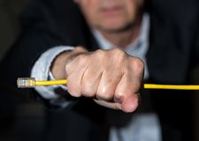 Hogere stafmedewerker die Internet-snelheid voor netto neutraliteitsconcept versperren Stock Foto