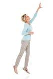 Hogere vrouw die omhoog springen stock afbeeldingen
