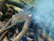 Hoguera y humo Foto de archivo libre de regalías
