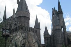 Hogwarts slott i Orlando, Florida royaltyfri foto