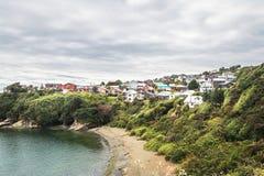 Hohe Ansicht des Strandes und der Ancud-Stadt - Ancud, Chiloe-Insel, Chile lizenzfreie stockbilder