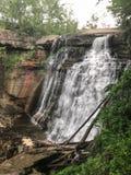 Hohe Ansicht von Brandywine fällt Wasserfall in Ohio lizenzfreie stockbilder