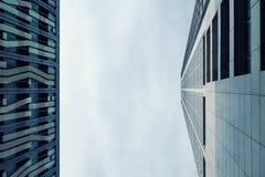 Hohe Aufstiegsgebäude in Makati lizenzfreies stockfoto