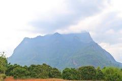 Hohe Berglandschaft Lizenzfreies Stockfoto