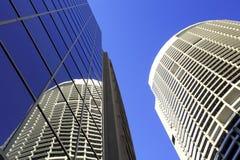 Hohe Gebäude-Wolkenkratzer Sydney-Australien lizenzfreie stockfotos