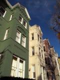 Hohe Georgetown-Reihen-Häuser lizenzfreies stockbild