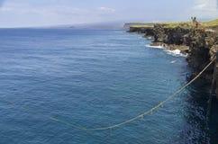 Hohe Klippen und Ozean, Südpunkt, Hawaii Stockfotos