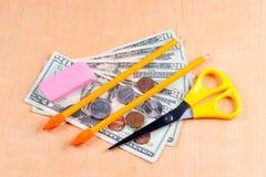 Hohe Kosten Schulezubehör Stockfotos