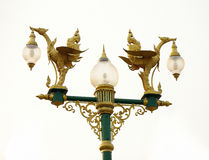 Hohe Lampe mit Himmel Lizenzfreie Stockfotos