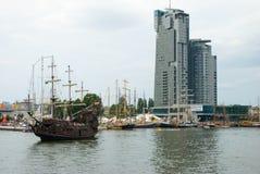 Hohe Lieferung läuft - Gdynia - Polen 04.07.2009 Stockbilder
