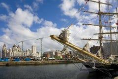 Hohe Lieferungen am Albert-Dock, Liverpool lizenzfreies stockfoto
