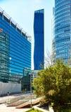 Hohe moderne kleine Wolkenkratzer in Wien nahe Wien Stockfotos