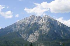 Hohe Munde con Telfs en el Tyrol Imagen de archivo libre de regalías
