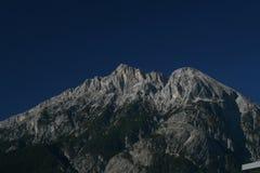 Hohe Munde con Telfs en el Tyrol Fotos de archivo