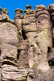Hohe Schattenbilder gemacht vom Felsen Stockfotos