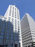 Hohe weiße Gebäude Stockbild