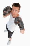 Hohe Winkelsicht des männlichen Boxers Stockfoto