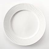 Hohe Winkelsicht einer runden weißen Platte Lizenzfreies Stockbild