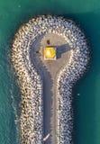 Hohe Winkelsicht eines Leuchtturmes Stockfoto