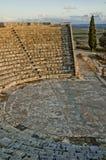 Hohe Winkelsicht eines römischen Amphitheaters Lizenzfreie Stockbilder