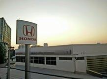 Hohe Winkelsicht-Honda-Tankstelle Stockfotografie