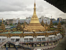 Hohe Winkelsicht von Sule Pagoda, Rangun (Rangun), Birma Lizenzfreie Stockbilder