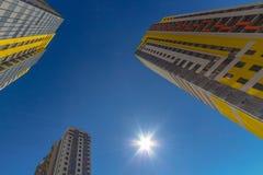 Hohe Wohnhäuser Lizenzfreies Stockfoto