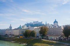 Hohensalzburg-Schloss über Salzburg, Österreich Stockfotos