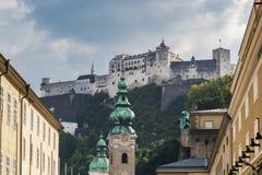 Hohensalzburg-Schloss oben betrachten Stockfotografie
