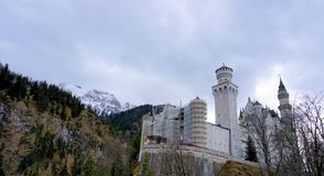 Hohenschwangau, Bayern/Deutschland - März 2018: Neuschwanstein-Schloss oder neues Swanstone-Schloss, historisches Haus von Ludwig Lizenzfreie Stockfotos