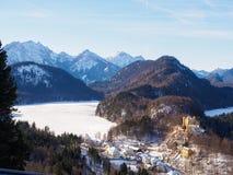 Hohenschwangau en alpien landschap Royalty-vrije Stock Foto's