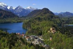 Hohenschwangau och Alpsee sjö Fotografering för Bildbyråer
