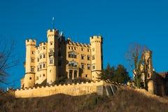 Hohenschwangau Roszuje schloss na zima dniu z niebieskim niebem, Bavaria, Niemcy Fotografia Royalty Free