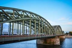 Hohenzoller bro, Cologne, Tyskland Arkivbilder
