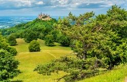 Hohenzollern城堡在德国的兹瓦本地方阿尔卑斯-巴登-符腾堡州,德国 免版税库存照片