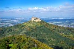Hohenzollern slott i början av hösten Royaltyfri Foto