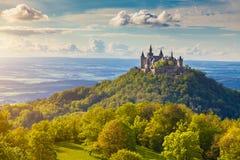 Hohenzollern slott på solnedgången, Baden-WÃ ¼rttemberg, Tyskland arkivbild