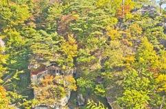 Hoher errichtender Yamadera-Tempel Stockfotografie