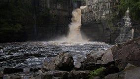Hoher Kraftwasserfall Lizenzfreies Stockfoto
