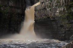 Hoher Kraftwasserfall Lizenzfreie Stockbilder