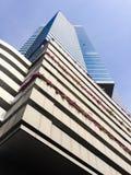 Hoher moderner Wolkenkratzer Stockfotografie