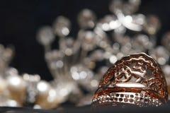 Hoher Wert-Edelstein-Steinzubehör, Gold, Kupfer, Diamant, Ring stockbild