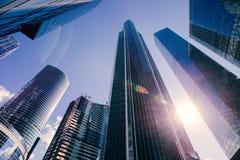 Hoher Wolkenkratzer Lizenzfreie Stockbilder