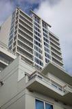 Hohes Anstieg apartement Gebäude lizenzfreie stockfotografie