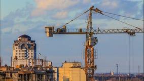 Hohes Anstieggebäude, das steigt stock footage